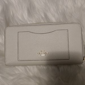 New Coach Chalk Colored Wallet w/ Zipper Closure